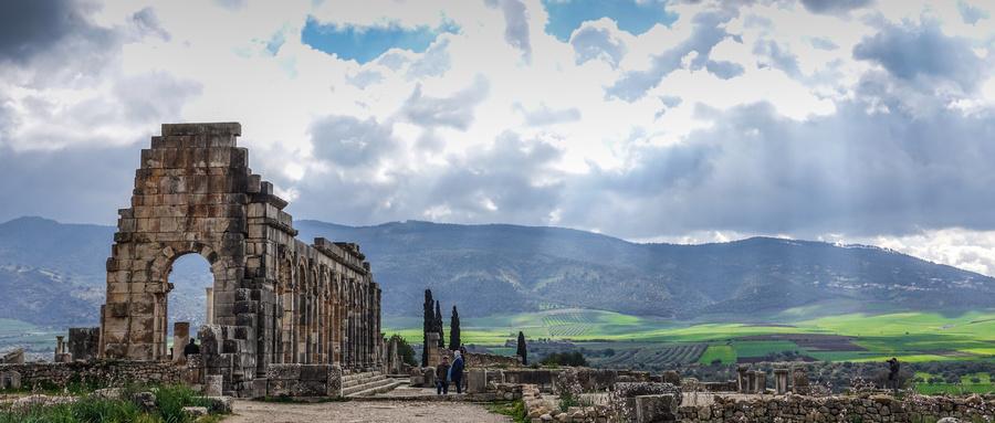 """A51:摩洛哥+突尼斯+阿尔及利亚22日--阿尔及利亚(阿尔及尔、杰米拉古罗马遗迹、提姆加德古罗马遗址、康斯坦丁悬浮桥)、摩洛哥(马拉喀什<2晚>、拉巴特、艾西拉、丹吉尔、""""蓝色小镇""""舍夫沙万、得土安、菲斯<2晚>、梅克内斯、卡萨布兰卡)、突尼斯(突尼斯城、哈马马特、""""圣城""""凯鲁万、沙哈拉沙漠地区、马特马他、苏塞<2晚>、""""蓝白小镇""""西迪布萨义德、迦太基遗址)"""