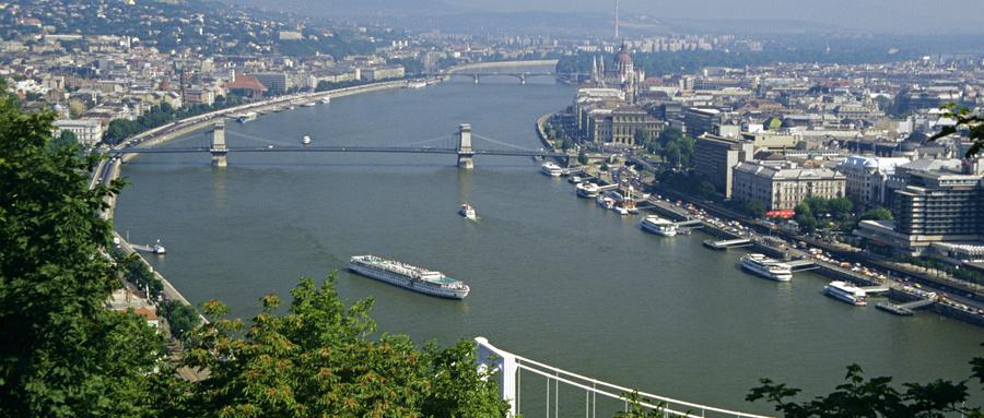 """A27:东欧""""多瑙河河轮""""巡礼11日---捷克、斯洛伐克、匈牙利、奥地利(***蓝色多瑙河上畅游河轮游的超级享受,感受美丽的东欧河岸乡村风情,欣赏美伦美焕的古堡)"""