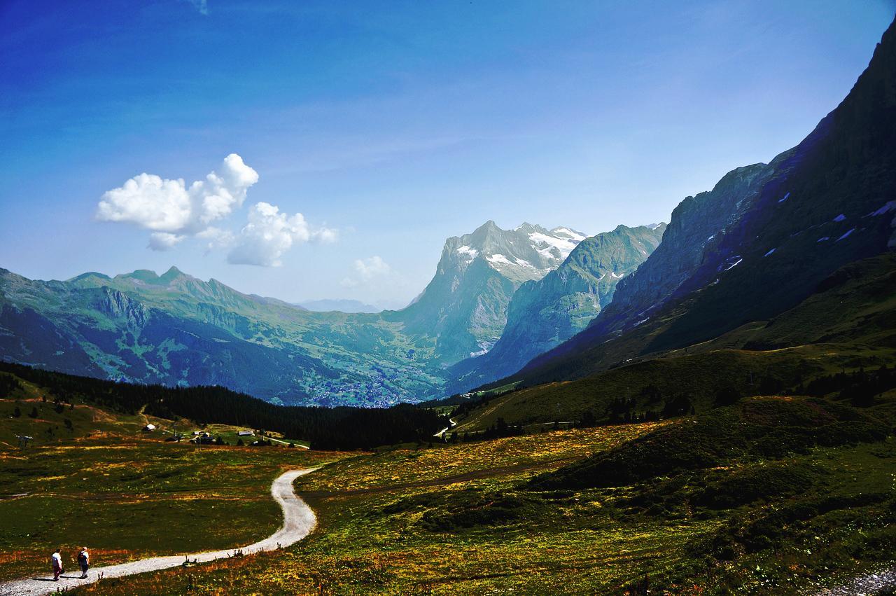 瑞士少女山风景图片