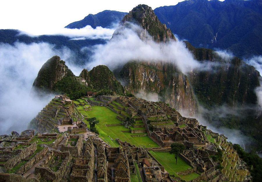 A64:南美五国精华全景28日--秘鲁(利马、伊基托斯、亚马逊河、纳斯卡大地画、库斯科、马丘比丘、胡利亚卡、普诺)、玻利维亚(的的喀喀湖、拉巴斯、天空之镜-乌尤尼盐沼)、智利(圣地亚哥、复活节岛、纳塔雷斯港、百内国家BOB下载app)、阿根廷(卡拉法特大冰川、乌斯怀亚、火地岛国家BOB下载app、布宜诺斯艾利斯、伊瓜苏大瀑布<阿根廷>)、巴西(伊瓜苏大瀑布<巴西>、里约热内卢)